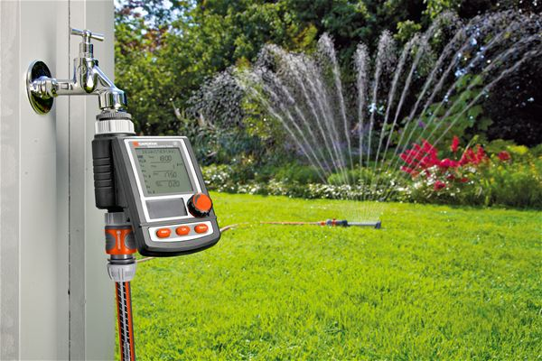 thiết bị tưới nước tự động điều khiển từ xa